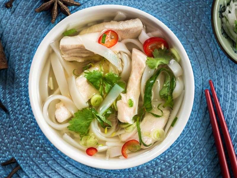 Vietnamilainen kanakeitto eli Pho Ga