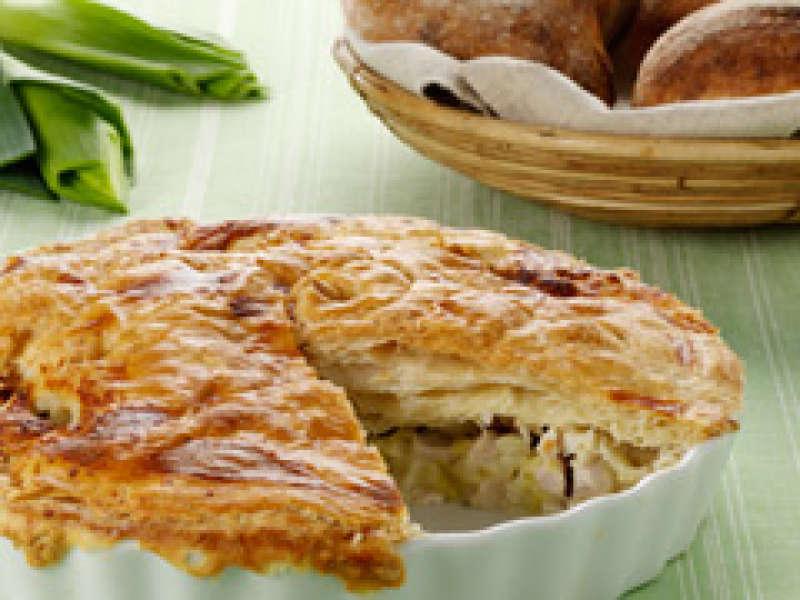 Kana-gorgonzolapiirakka ja päärynäsalsa