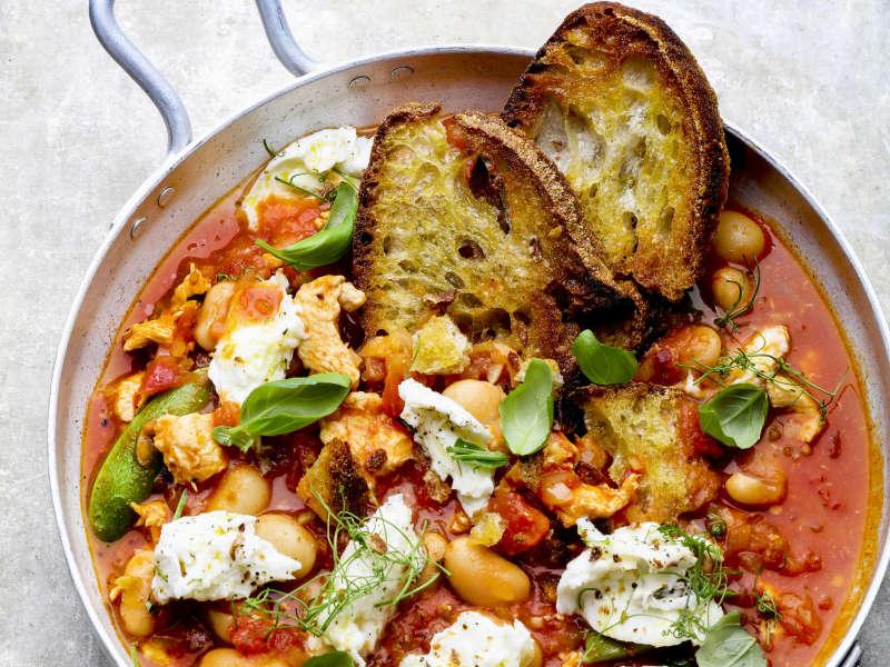 Italialainen tomaatti-kana-leipäkeitto