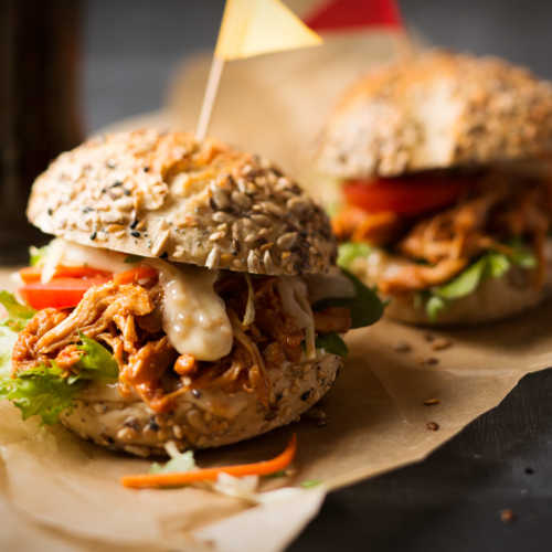 Kariniemen Pulled Chicken Burger