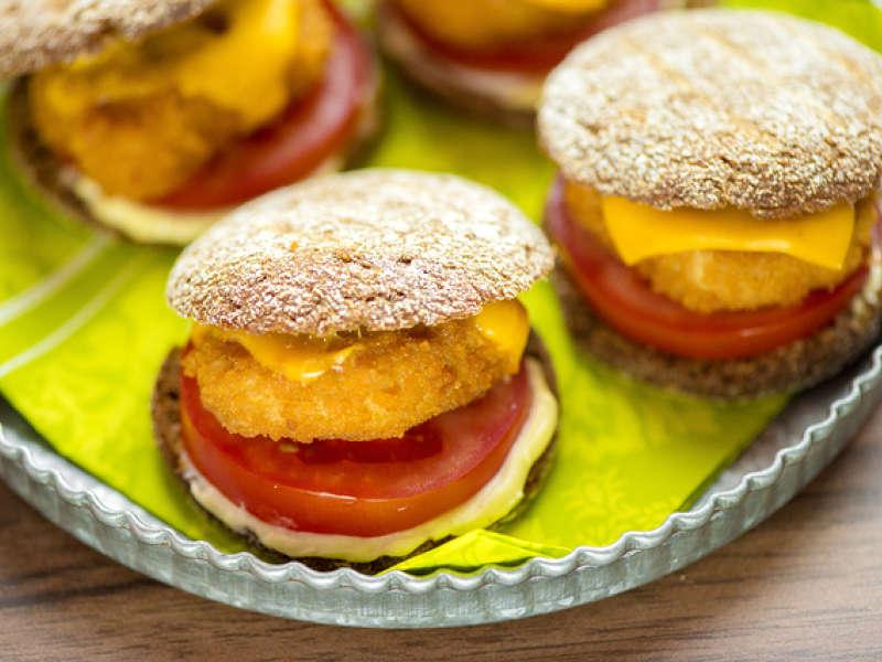 Rukiiset kananugget-burgerit