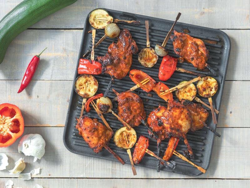 Hunaja-BBQ paistivartaat ja grillikasviksia