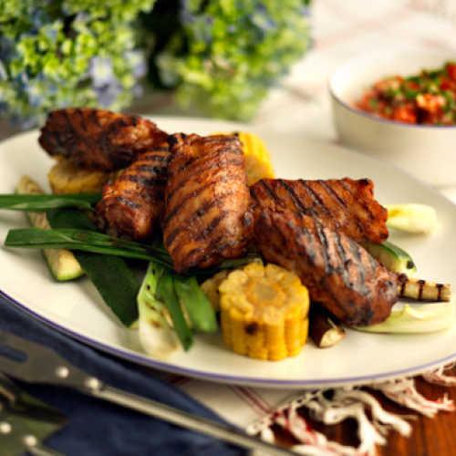Grillattua kanaa ja vihanneksia chili-sitrusvoin kera